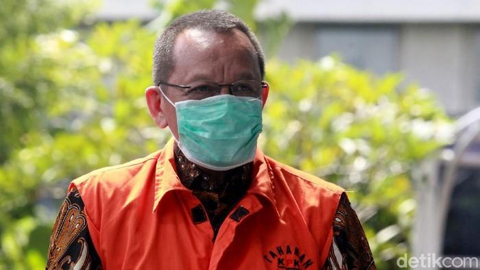 Eks Sekretaris MA Nurhadi kembali diperiksa KPK. Ia diperiksa sebagai tersangka terkait kasus suap dan gratifikasi yang menjerat dirinya.