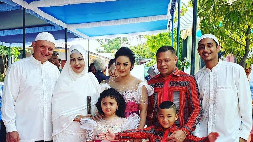 Kulineran Shechah Sagran, Mantan Istri Raul Lemos yang Akur dengan KD