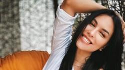 Luna Maya dan Sophia Latjuba Curhat Soal Mantan yang Sama
