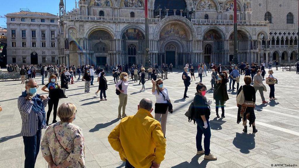 Venesia Bergembira Menyambut Kedatangan Wisatawan Mancanegara
