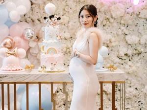 Baby Shower Crazy Rich Malaysia, Tebak Jenis Kelamin Bayi Pakai Tas Gucci