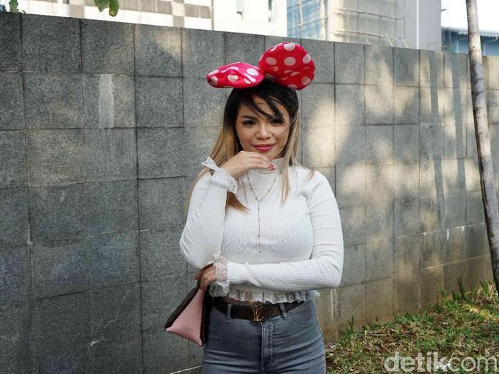 Dinar Candy saat ditemui di kawasan Trans TV.