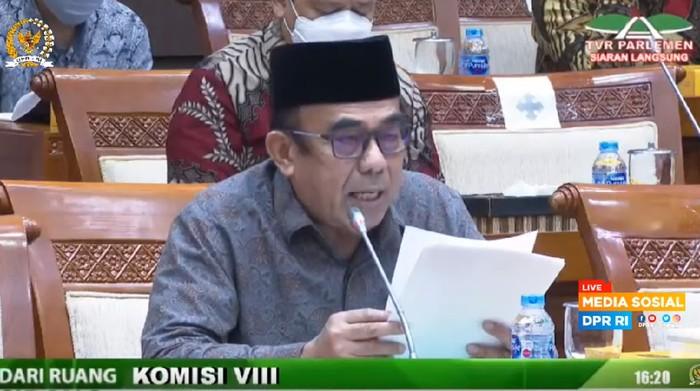 Menag Fachrul Razi dalam rapat kerja dengan Komisi VIII DPR, di kompleks MPR/DPR, Senayan, Jakarta, Kamis (18/6/2020).