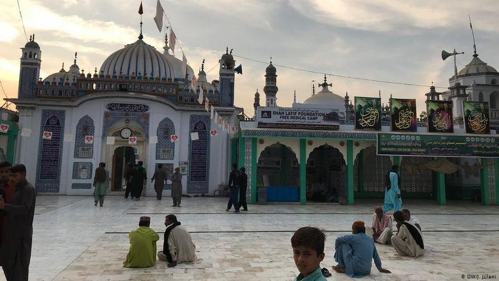 Dituduh Menistakan Islam, Profesor Pakistan Ditangkap