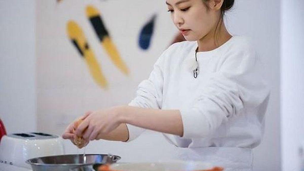 Jennie BLACKPINK Jago Masak, 5 Momen Ini Buktinya