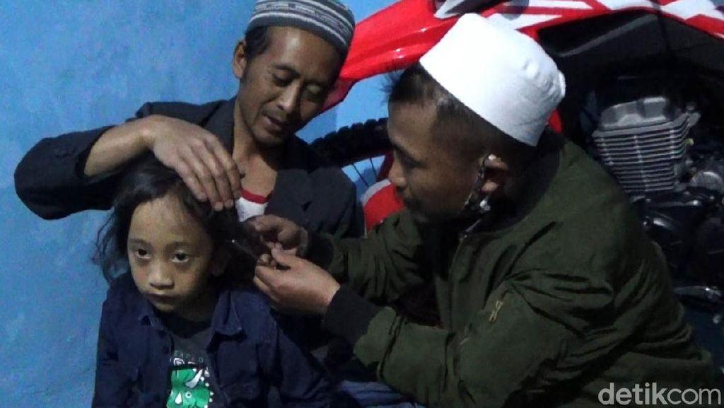 Gelaran Cukur Rambut Gimbal Anak Dieng Digelar Sederhana