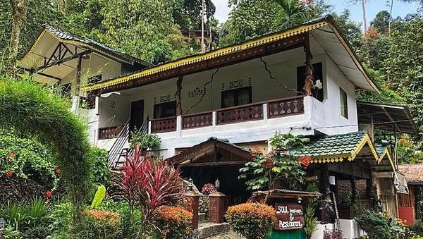 Mereka tinggal di guesthouse milik warga sejak bulan Maret. Per malamnya, tarifnya cuma 5 Poundsterling (sekitar Rp 87 ribuan) saja. (dok. Jeff Yip/alifeofy)