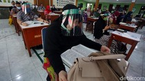 Para Guru Kompak Pakai Face Shield Saat Raker