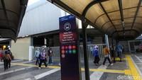 Pada penataan tahap pertama, terdapat empat stasiun yang ditata yaitu Stasiun Tanah Abang, Sudirman, Pasar Senen, dan Juanda. Adapun pelaksanaannya dimulai sejak penandatanganan perjanjian kerja sama pada 10 Januari 2020. Rifki Nugroho/detikcom.