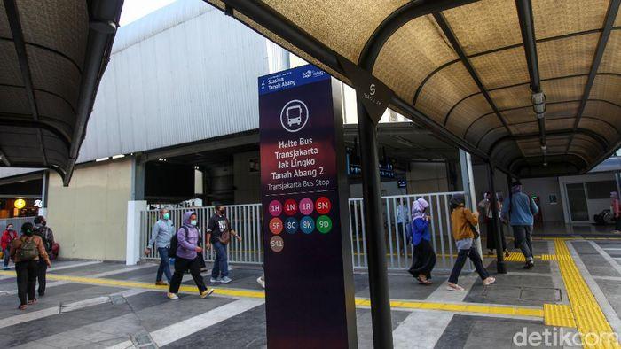 PT Kereta Api Indonesia (KAI) bersama Pemprov DKI dan PT Mass Rapid Transit Jakarta berkolaborasi menata kawasan stasiun kereta api di DKI Jakarta. Ini hasilnya!