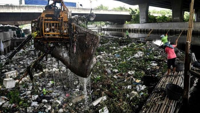Sampah plastik bekas makanan dan tas kresek di Thailand melonjak saat Corona (AFP Photo)