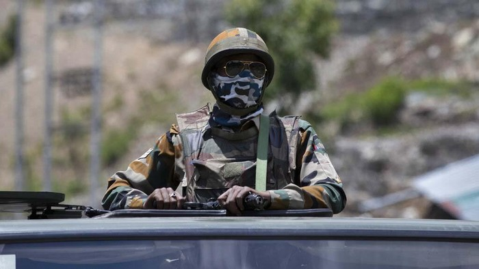 Sebanyak 20 tentara India tewas dalam bentrokan dengan militer China di Ladakh, Kashmir, yang masuk pegunungan Himalaya. Begini potret di Ladakh usai bentrokan terjadi.