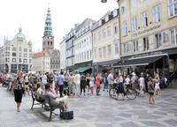 Stroget membentang sejauh 1,12 kilometer di jantung Kota Copenhagen. Jalanan yang melintasi kota tua Copenhagen itu menjadikannya salah satu jalan terpenting di kota tersebut.Area pedestrian ini menjadi kawasan belanja yang populer baik bagi orang lokal maupun wisatawan. (Foto: iStock)