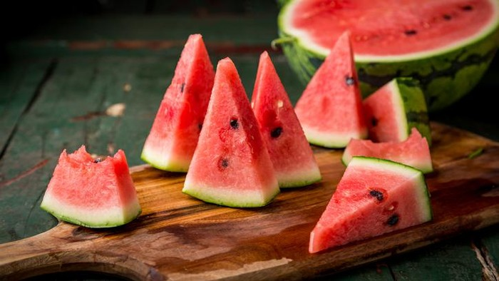 Bahaya makan sisa semangka di kulkas