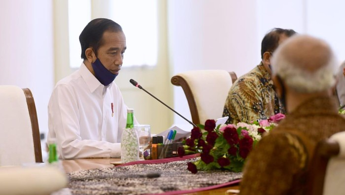 Presiden Jokowi saat bertemu purnawirawan TNI di Istana Bogor, Jawa Barat.