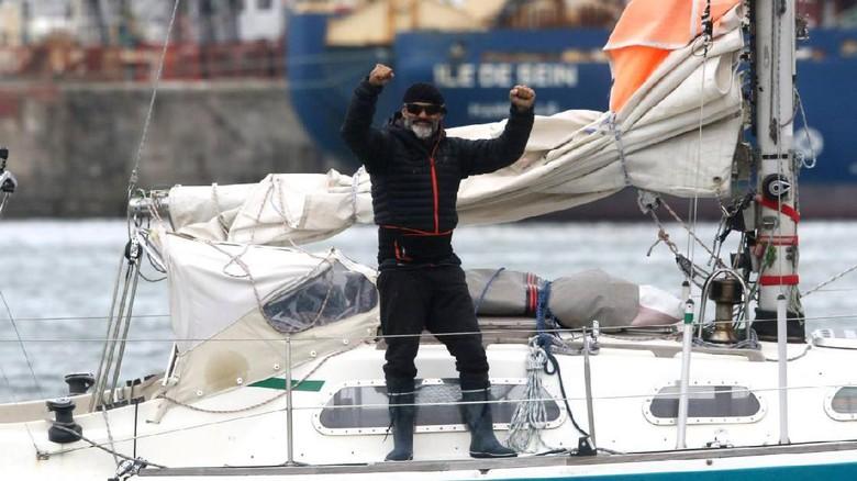 Pria ini 3 bulan arungi Samudera Atlantik demi bertemu orang tuanya