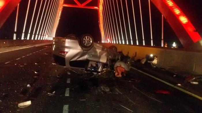 Kecelakaan di tol Semarang-Batang, daerah Kendal, 18/6/2020
