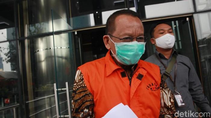Tersangka kasus dugaan suap gratifikasi penanganan perkara di MA, Nurhadi kembali diperiksa KPK, Jumat (19/6/2020).