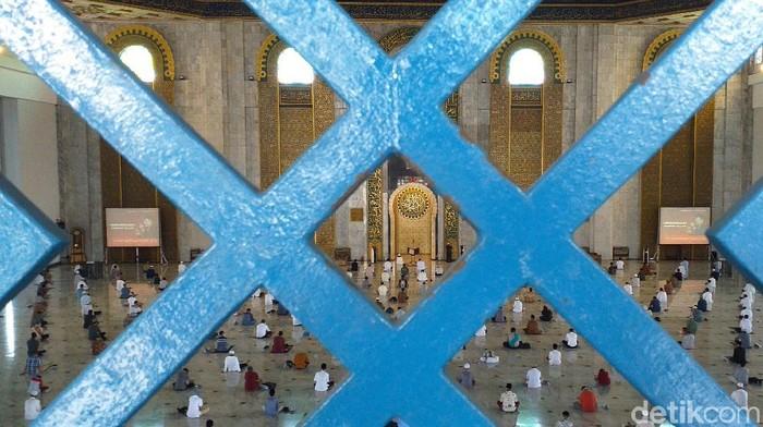 Masjid Al Akbar Tetap Pakai 14 Protokol Kesehatan