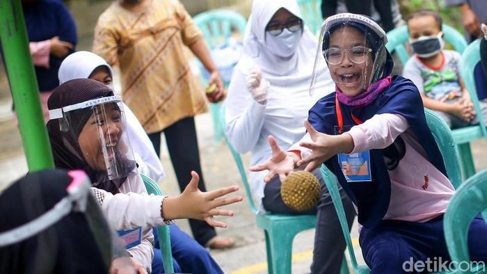 Kampung Belajar New Normal dilatarbelakangi oleh bosannya sejumlah anak-anak karena selama 3 bulan masa PSBB hanya berada di rumah. Seperti apa keseruannya?