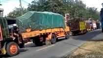 Musim Giling, Antrean Truk Tebu Macetkan Jalan Raya Blitar-Malang Hinga 5 Km