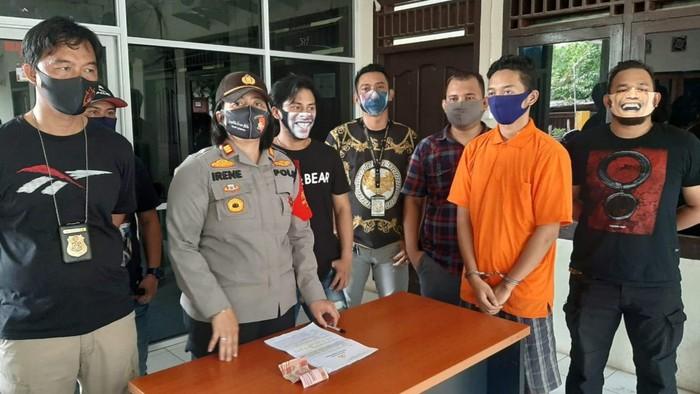 Polisi tangkap pencuri dana BLT di Sumsel (Raja Adil-detikcom)