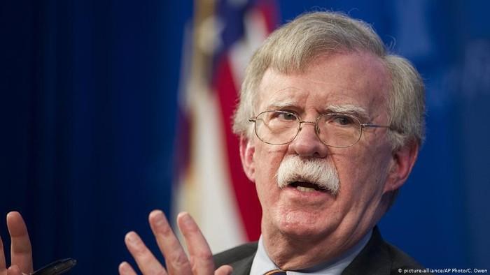 Presiden AS Donald Trump Berusaha Hentikan Penerbitan Buku John Bolton