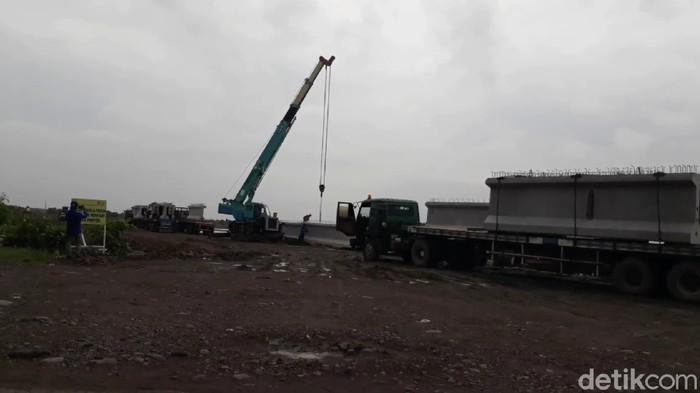 Proyek pembangunan Jalan Lingkar Utara (Jalingkut) Brebes, Kamis (18/6/2020).