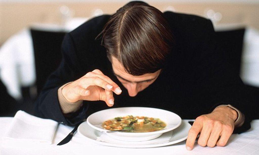 Temukan Rambut Di Makanan Tanda Akan Panjang Umur