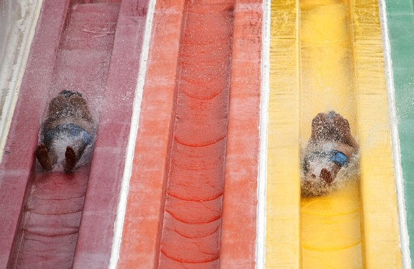 Wahana air juga sudah kembali dibuka untuk umum. AP Photo/Sakchai Lalit