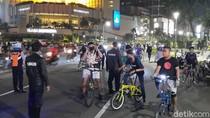 Pesepeda Padati Lagi Kawasan Bundaran HI, Dishub-Satpol PP Membubarkan