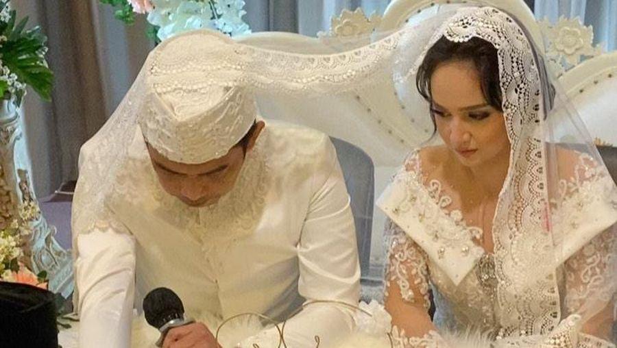 Foto pernikahan Angelica Simperler