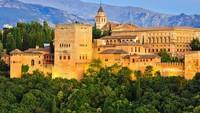 Istana Alhambra, salah satu monumen yang paling banyak dikunjungi di Granada, Spanyol telah kembali dibuka. (AFP)