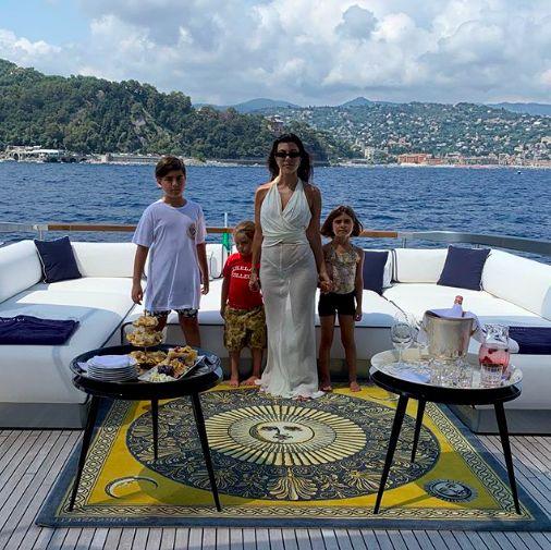 Kim Kardashian beri junk food untuk Mason