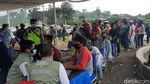 Nah Loh! Ratusan Wisatawan Puncak Jalani Rapid Test Massal