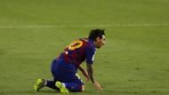 Potret Lionel Messi Jatuh Bangun Lawan Sevilla