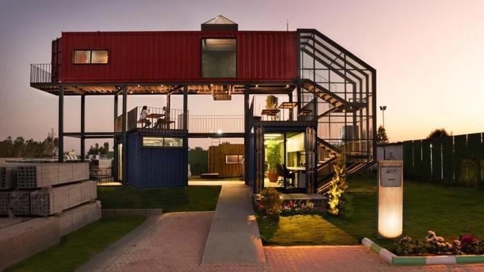 Sebuah kantor di India dibangun dengan konsep keberlangsungan dan ramah lingkungan yang menggunakan bahan baku dasar kontainer bekas kargo.