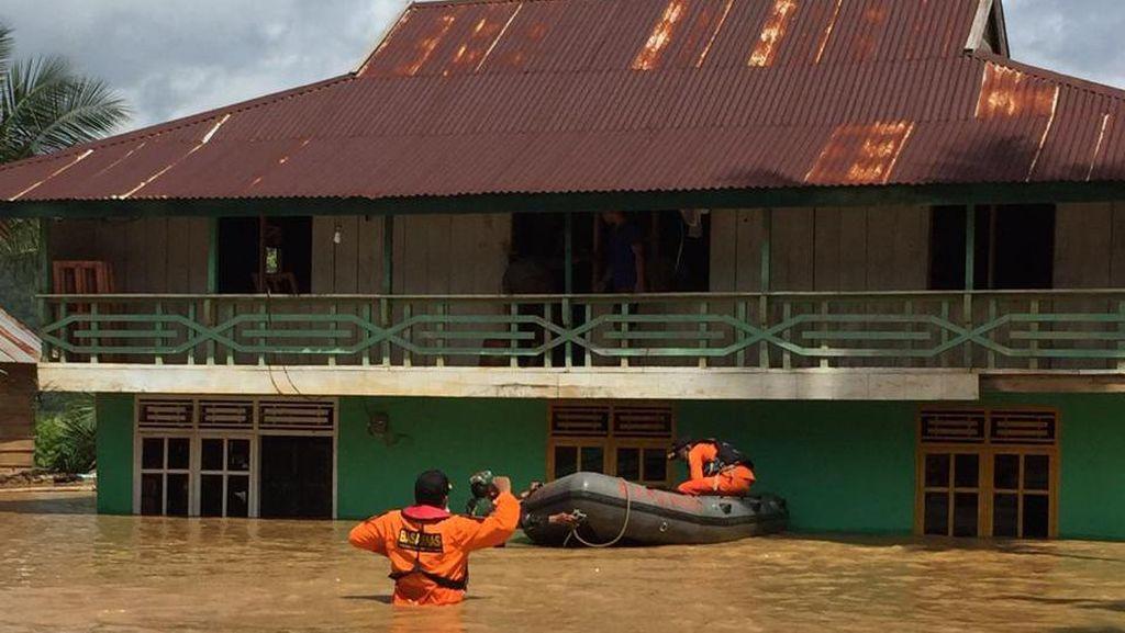 Banjir Rendam Pemukiman di Konawe Utara, 140 Jiwa Tetap Bertahan