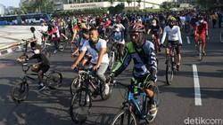 Gubernur DKI Jakarta Anies Baswedan akan mengevaluasi pelaksanaan car free day (CFD) hal ini dilakukan karena terjadi kepadatan Minggu kemarin (21/06).