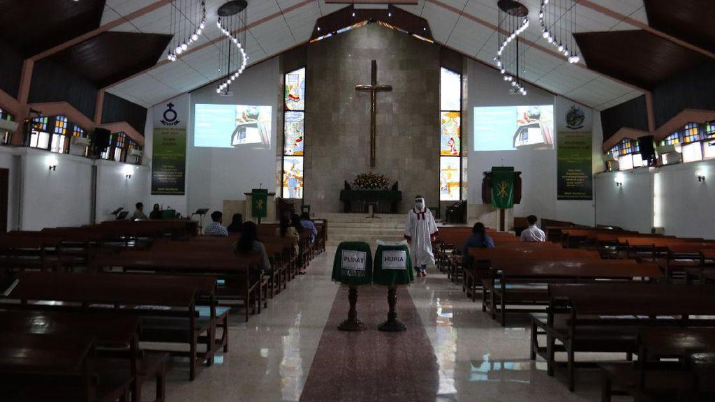 Kembali Gelar Ibadah, Gereja di Bandung Terapkan Protokol Kesehatan
