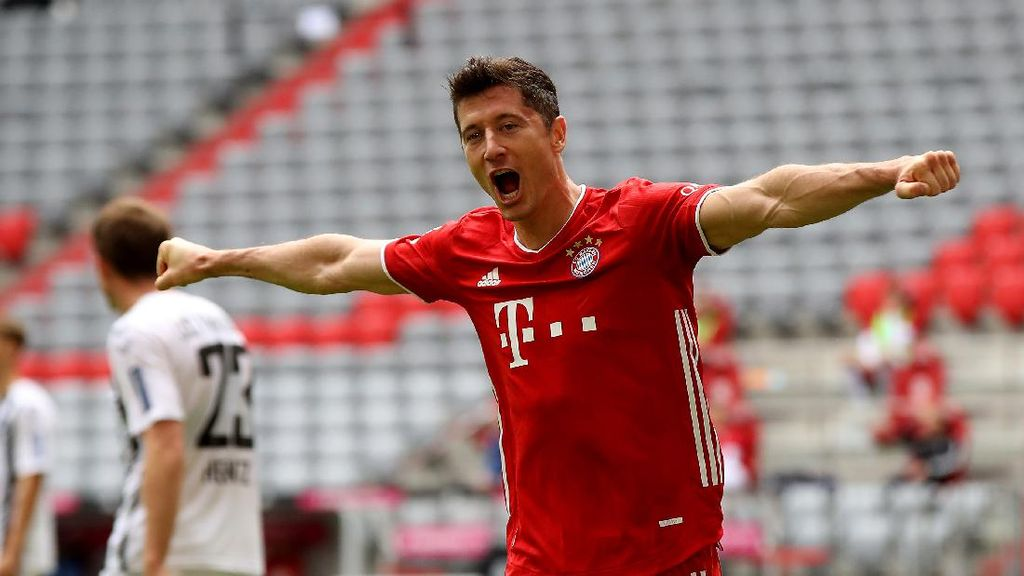 Lewandowski Lebih Baik daripada Messi... untuk Saat Ini