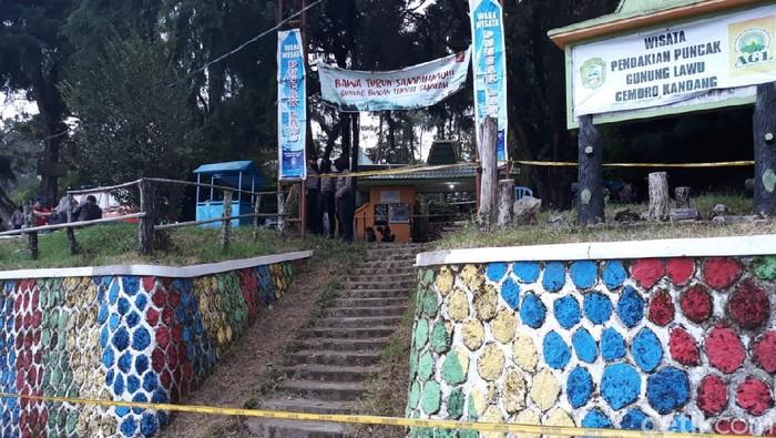 Pintu masuk jalur pendakian Gunung Lawu, Cemoro Kandang, Tawangmangu, Karanganyar, Minggu (21/6/2020).