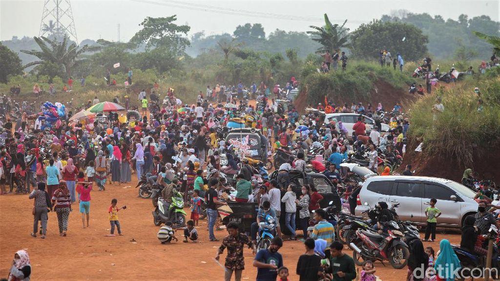Sempat Ditutup, Tanah Merah Depok Kini Ramai Lagi