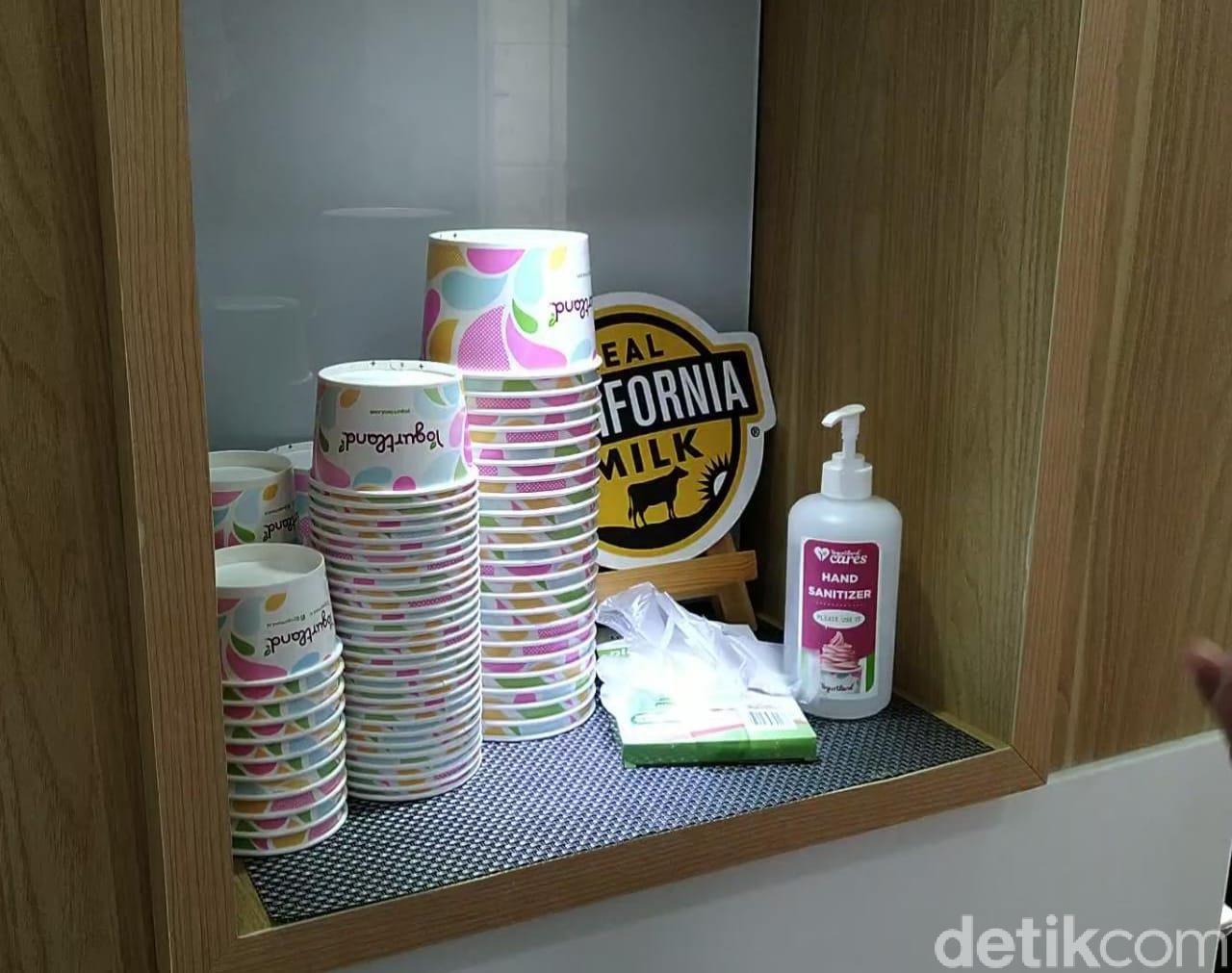 yogurt self service