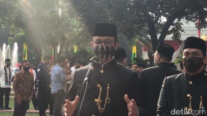 Gubernur DKI Jakarta Anies Baswedan seusai upacara HUT Jakarta.