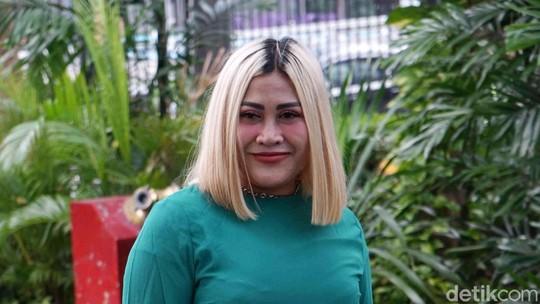 Rugi Ratusan Juta Gegara Corona, Boiyen Tetap Tersenyum