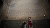 Istana Alhambra merupakan monumen yang menyimpan kejayaan islam di Spanyol. (Jorge Guerrero/AFP)