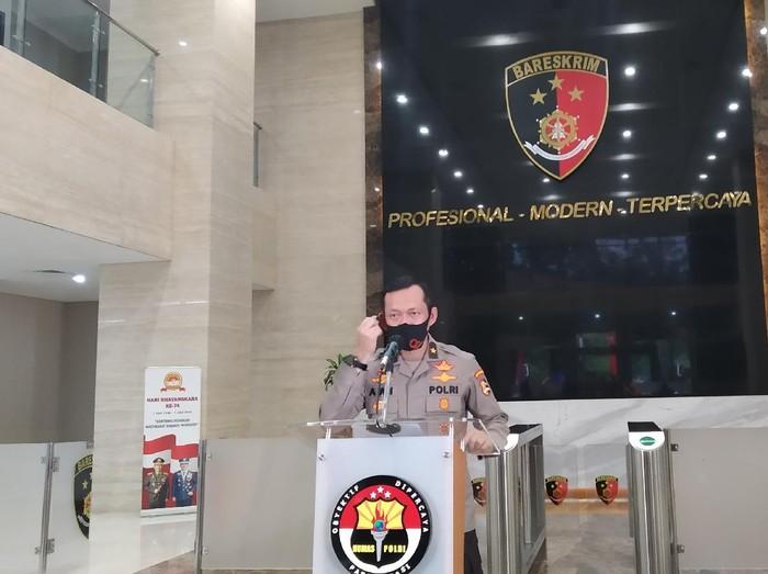 Karopenmas Divisi Humas Polri Brigjen Awi Setiyono menjelaskan arahan Kapolri Jenderal Idham Azis, di Mabes Polri, Senin (22/6/2020).