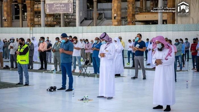 Melihat Suasana Sholat Gerhana di Masjidil Haram Makkah