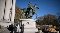 Patung Theodore Roosevelt yang Kontroversial di New York Akhirnya Dipindahkan
